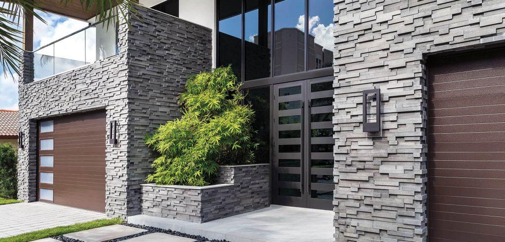 Fachadas de casas de piedra